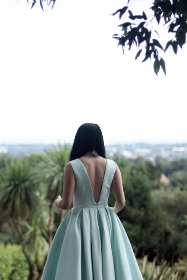 low-back-full-dress-chi-chi